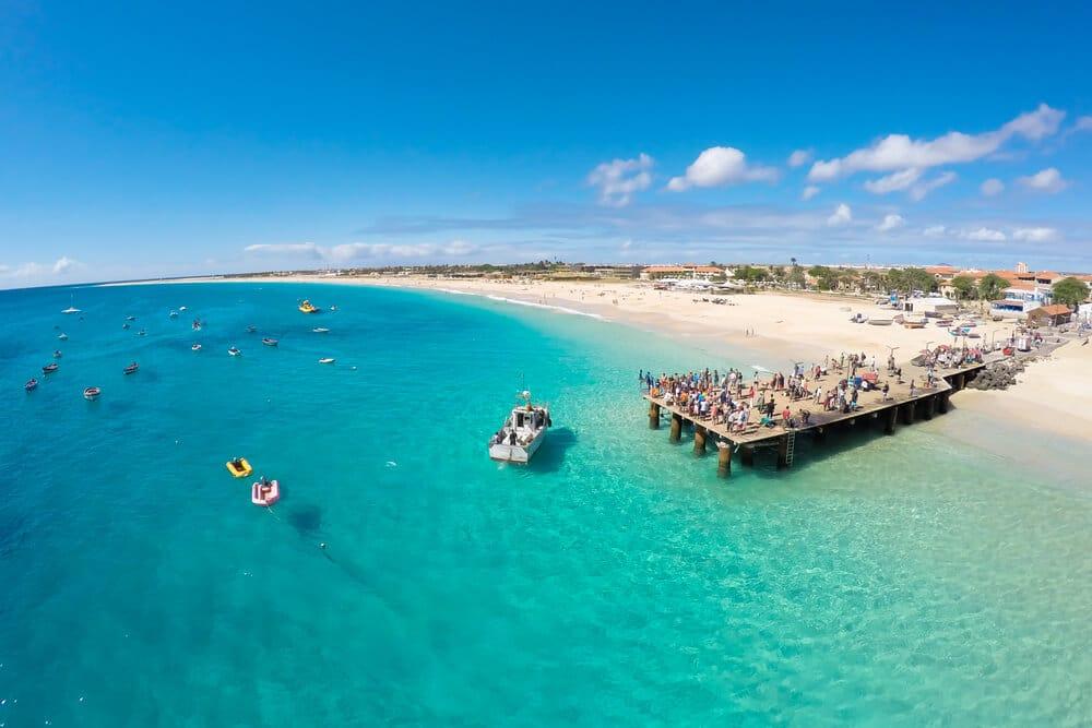 praia-santa-maria-ilha-sal